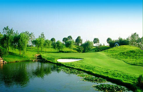 Shanghai Yintao Golf Club, one of the &#38;apos;Top 10 golf clubs in Shanghai&#38;apos; by china.org.cn