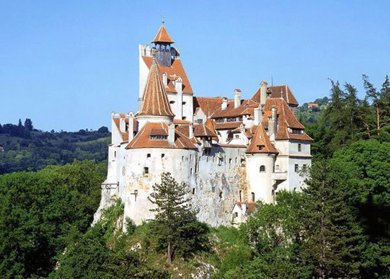 Bran Castle (Dracula's Castle) of Romania, one of the 'top 10 coolest castles in the world' by China.org.cn.