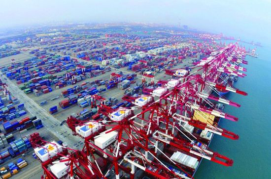 Qingdao Port,one of the 'top 10 ports in China' by China.org.cn.