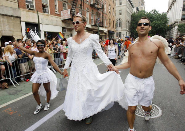 Jubilant NYC parade celebrates gay marriage
