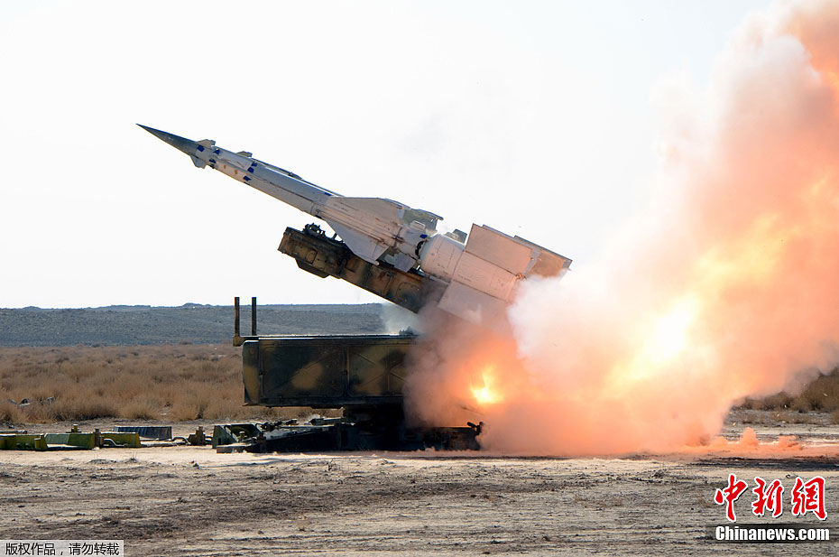Photo taken on Dec 20, 2011 shows Syria army conducting military drill. Syria's Foreign Ministry said the war games did not intended to send any message. [Chinanews.com]