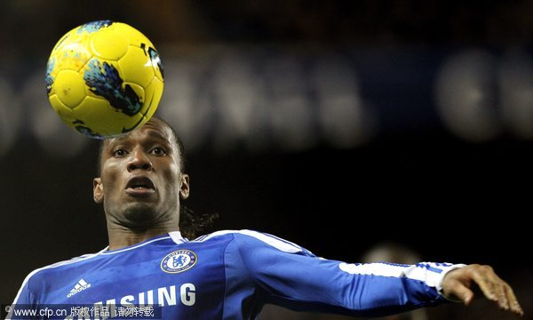 Chelsea's Didier Drogba in action during their English Premier League soccer match against Manchester City at Stamford Bridge in London, Britain, 12 December 2011.
