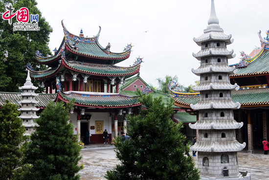 South Putuo Temple,one of the 'Top 10 temples for Spring Festival prayers' by China.org.cn.