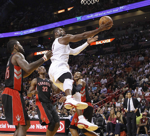 LeBron rescues Heat from near collapse to Raptors