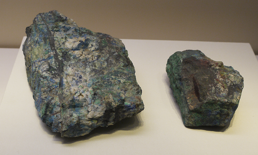 Malachite (sample), a copper carbonate mineral. It is exhibited in the section of Exhibition on life, production in Xia, Shang and Western Zhou Dynasties, an exhibition of Ancient China in the National Museum of China. [Photo by Xu Lin / China.org.cn]