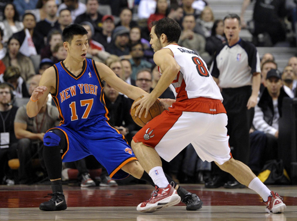 'Linsanity' touches down in star-struck Canada