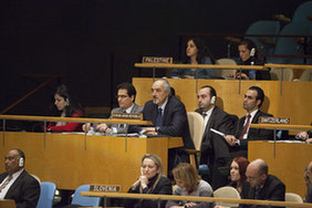 UN General Assembly backs AL's Syria plan
