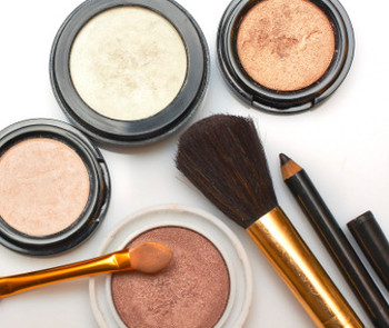 Some international brands of cosmetics contain toxic heavy metals, researcers said. [File photo]