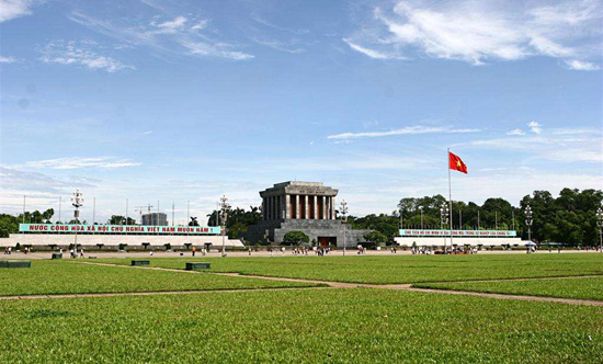 Vietnam, one of the 'top 10 countries with most visitors to China in 2011' by China.org.cn.