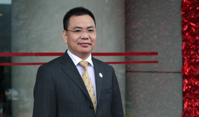 Lin Chunping was elected member of Wenzhou Municipal Committee of CPPCC for the first time on January 18, 2012. [File photo]