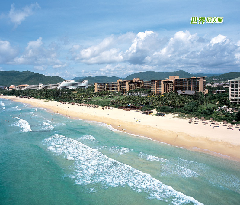 Located to the southeast of Sanya, Yalong Bay is a 7.5-km crescent-shaped bay. Also known as the Yalong Bay National Resort, it is one of the most famous scenic spots in Hainan Province.Visitors are attracted by its crystal blue sea, warm sand beaches and endless rolling hills. Its clean sea waters make it a nice place for diving. There are various kinds of tropical fishes. It is an ideal place for relaxation, water sports and scuba-diving.