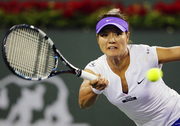 Azarenka demolishes Radwanska, Li goes out