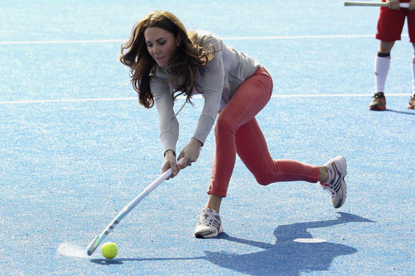 Kate cheers for hockey team ahead of Olympics