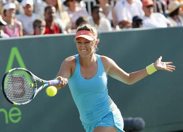 Azarenka survives Slovak scare to reach quarters