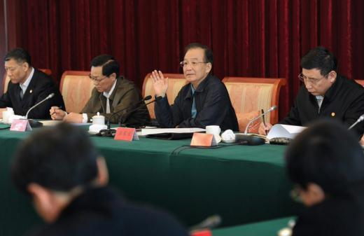 Premier Wen Jiabao chairs the meeting of economic situation in Fujian, Shanghai, Jiangsu and Zhejiang on April 3, 2012.