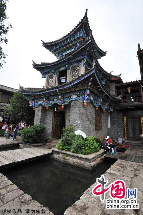 Southwest China's Yunnan tops the destination lists of many travelers in China, thanks to the area's awe inspiring natural scenery and diverse ethnic culture. The ancient town of Shuhe is one of the province's tourism gems, known for its well preserved architecture and carefully maintained traditions passed down from the heyday of the Tea Horse Road. [China.org.cn]