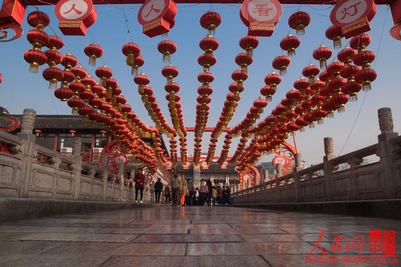 Photo shows the morning scenery in Confucius Temple, Nanjing, capital of east China's Jiangsu Province.