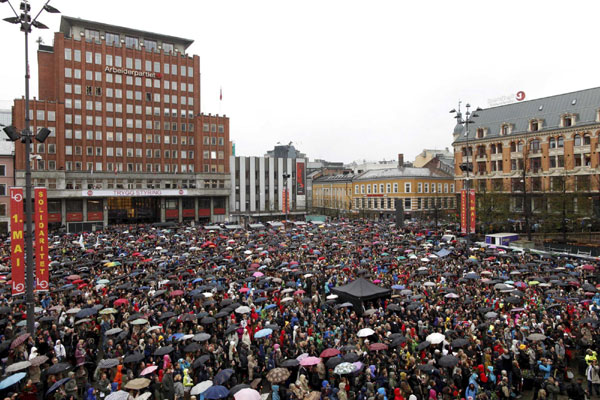 Tens of thousands protest at Norway Breivik trial