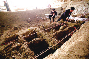 Ancient tomb and artifacts discovered in Shandong