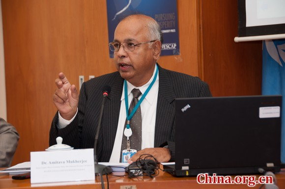 Amitava Mukherjee, UNESCAP's senior expert of Macro Economic Policy Development Division.[Chen Boyuan / China.org.cn]