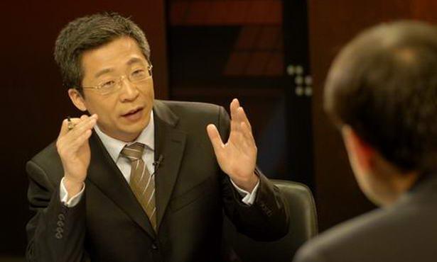 This undated file photo shows Yang Rui hosting a program. [Source: http://cctv.cntv.cn/]