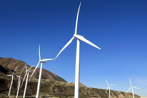 China will invest more than 2 trillion yuan ($316 billion) in promoting energy-saving and low-carbon projects during the 12th Five-Year Plan period (2011-15).