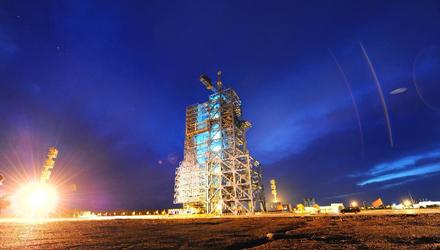 Lauching tower of Shenzhou-9 spacecraft