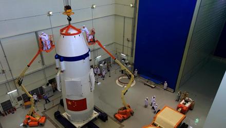 Preparation for Shenzhou-9 spacecraft