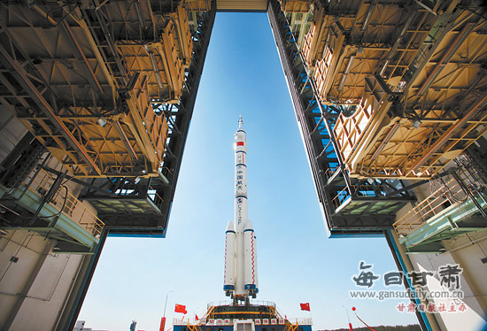 China's Shenzhou-9 manned spacecraft is in final preparations for its launch in mid-June, paving the way for China's first manned space docking mission.