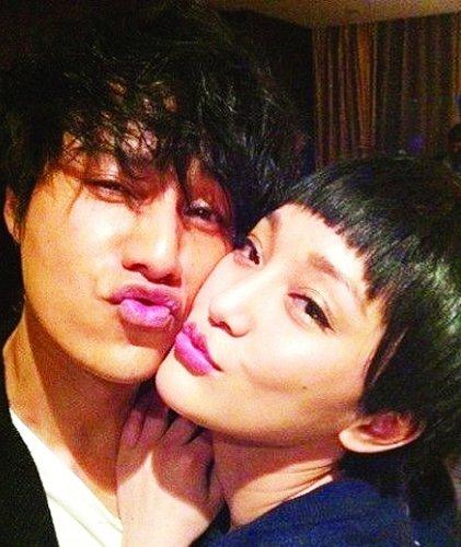 blogger zhou xun is mother of chen kuns child china