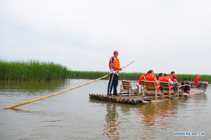 Chagan Lake receives tourism peak in summer
