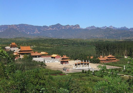 The West Mausoleum of the Qing Dynasty is located at the foot of Yongning Mountain, 15 km west of Yixian County in Hebei Province.