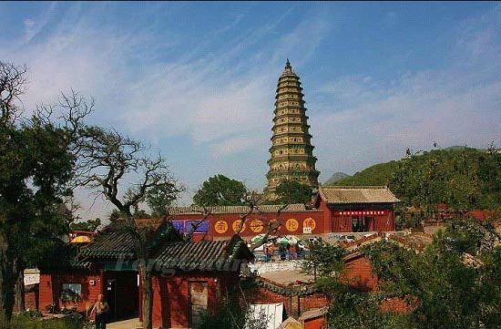 Located 17 km to the northeast of Hongdong County, Shanxi Province, Guangsheng Temple was originally constructed  in 147 AD of the Eastern Han Dynasty.