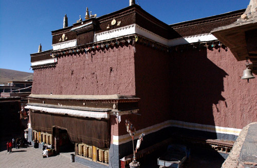 Located on Benbo Mountain, Sajia County, Tibet Autonomous Region, Sajia Temple is the main temple of the Sajia section of Tibetan Buddhism.