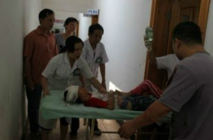 Three children were killed, and another 13 injured yesterday by a man wielding an ax in Pingnan County in south China's Guangxi Zhuang Autonomous Region.