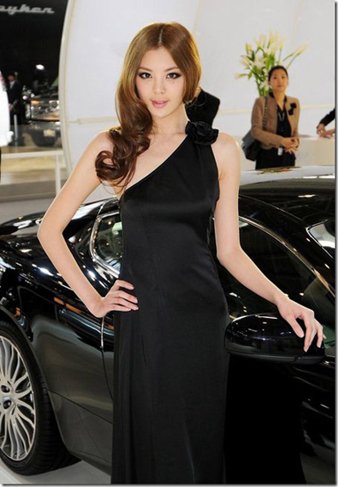 Xie Meng,one of the 'Top 10 auto show models in China of 2012'by China.org.cn.
