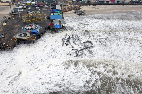 In this photo released by U.S. Department of Defense (DOD), aerial views during an Army search and rescue mission show damage from Hurricane Sandy to the New Jersey coast, Oct. 30, 2012. [Xinhua photo]