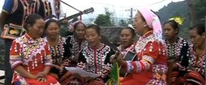 李娜倮代表:带着歌声到北京 CPC delegate Li Naluo
