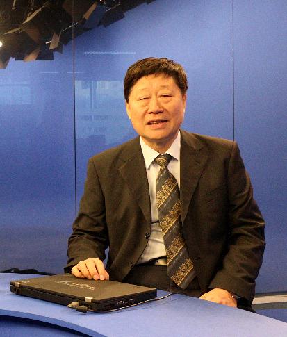 中共十八大代表、海尔集团党委书记、首席执行官张瑞敏先生做客人民网视频访谈室。