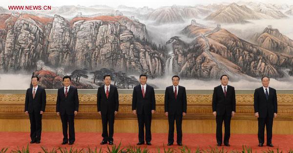 11月15日,新一届中央政治局常委同中外记者见面。[新华社]