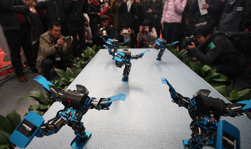 Robot show held in Qingdao