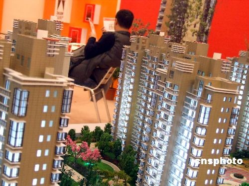 Industry observers say China's real estate sector is likely to pick up steam in 2013, as they expect increased housing sales due to growing market demand.