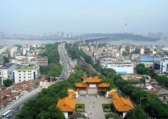 Wuhan, one of the 'Top 10 best tourist destinations of China in 2012' by China.org.cn