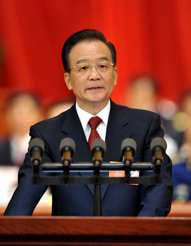 2013年3月5日,第十二届全国人民代表大会第一次会议在北京人民大会堂开幕。国务院总理温家宝作政府工作报告。[新华社 黄敬文 摄]