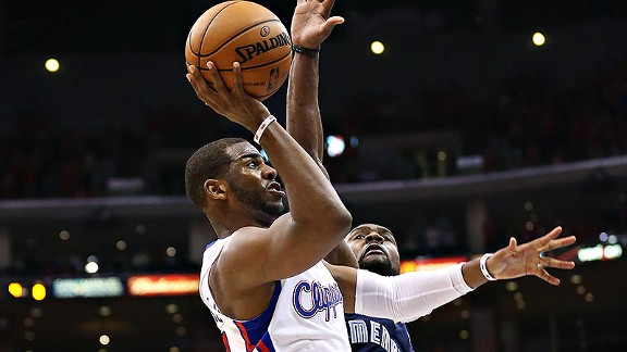 Chris Paul hits floater at buzzer to beat Grizzlies in Game 2.