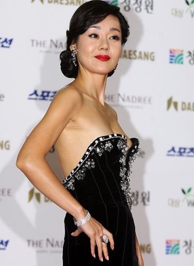 Yunjin Kim, one of the 'Top 10 X-rated actresses in South Korea' by China.org.cn