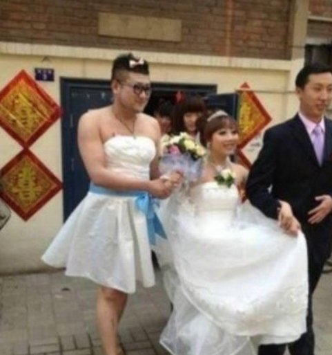 Pictures Of Male Bridesmaid Trigger Debate