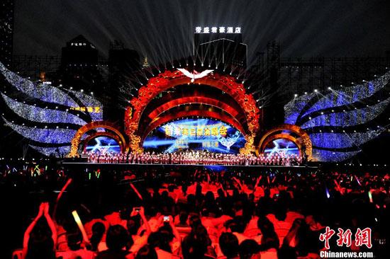 & Grammy all-stars light up Chengdu - China.org.cn
