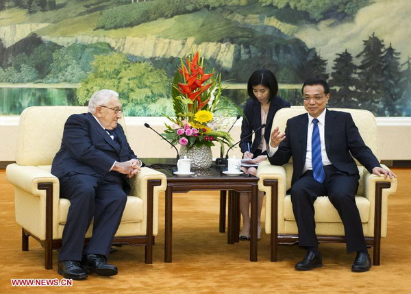 Premier Li meets Kissinger in Beijing