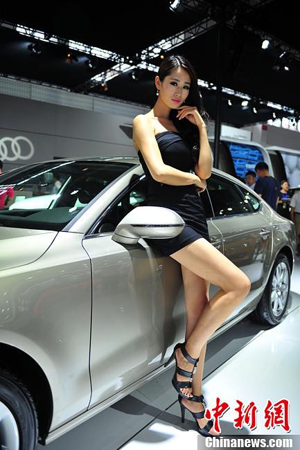 Glamorous models at Shenyang auto show- China.org.cn